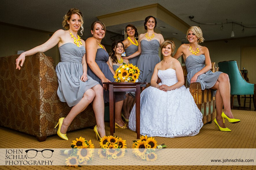 10-bridesmaids-wedding-yellow-accents